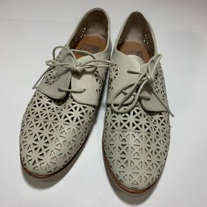 DV Dolce Vita Moe Lace Up Oxford Flats Perforated